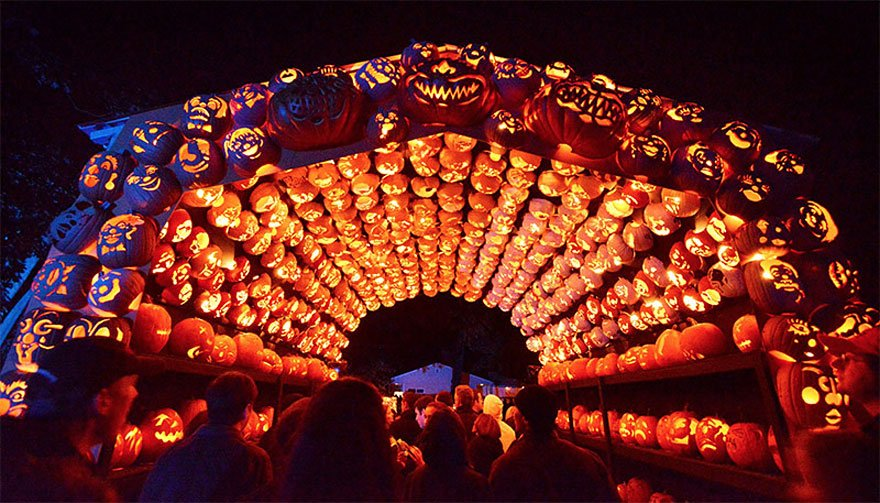 pumpkin-carvings-jack-o-lantern-blaze-14