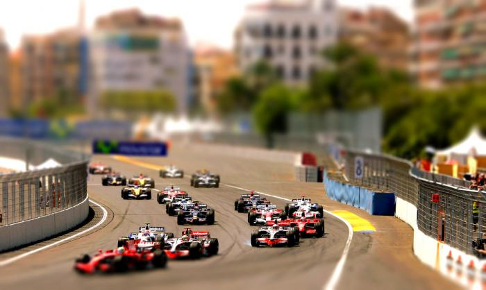 tilt_shift_f1_racing_2008_by_mowcroft-d3ckat2