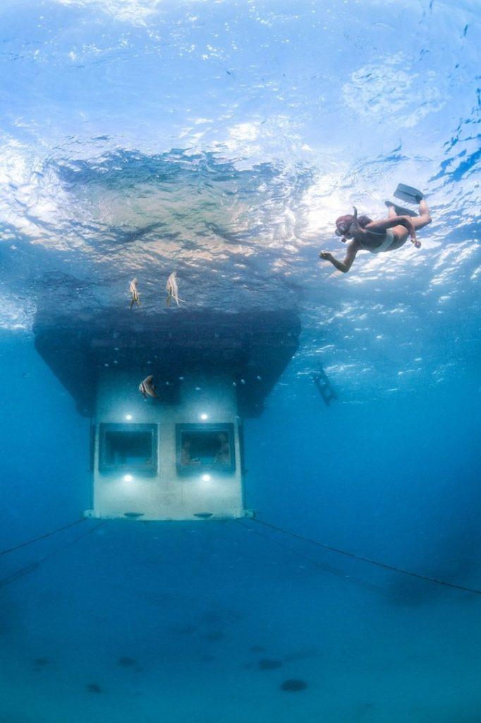 mantaunderwaterroom3
