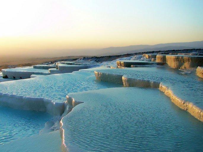 4Travertine-Pools-at-Pamukkale-Turkey