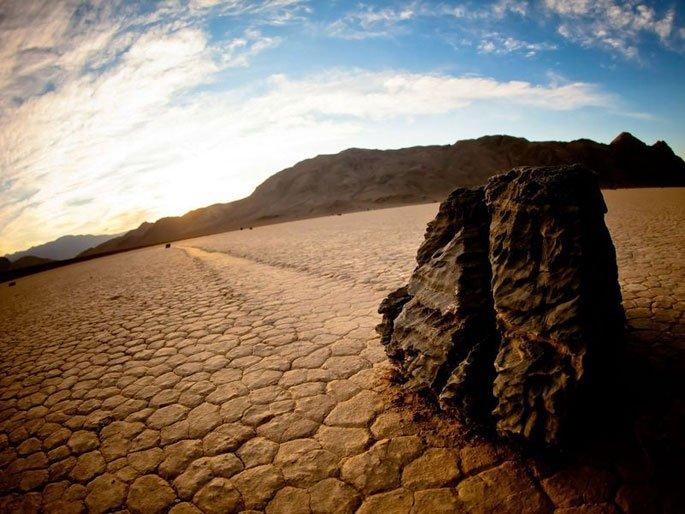 5Sailing-Stones-Racetrack-Playa-Death-Valley-Calif.