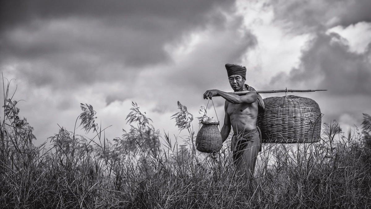 eel-fisherman-baskets